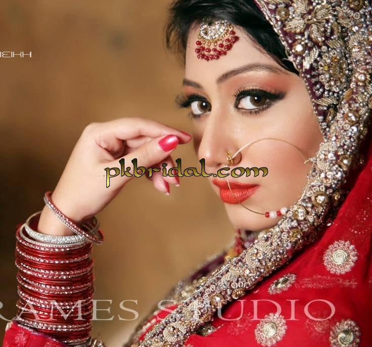 designer-wedding-dresses-13
