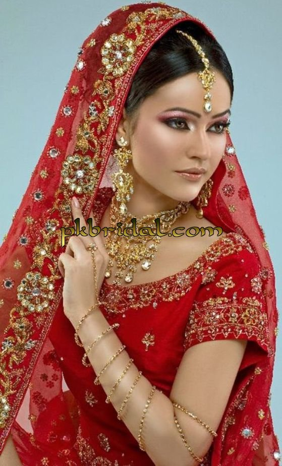 exclusive-bridal-wear-for-march-2015-3
