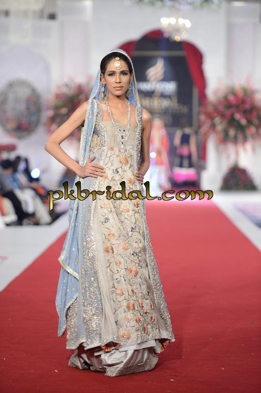 pakistani-wedding-dresses-49