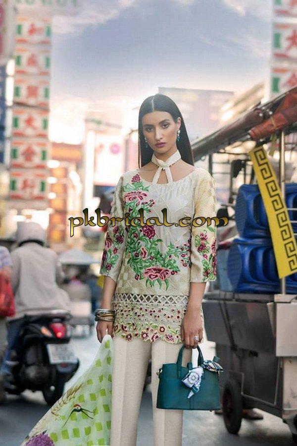 erum-khan-embroidered-chiffon-range-2019-18