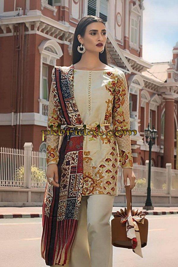 erum-khan-embroidered-chiffon-range-2019-7