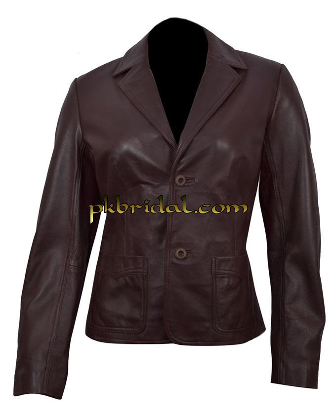 Sky-seller online shop is the ideal one-stop destination for outfits designed from genuine leather and faux leather material. Leather enthusiasts will find celebrity inspired movie leather attires, leather pants, trench coats, wool jackets, distressed leather jackets, trendy and stylish suede leather jackets for men and women.