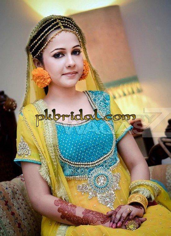 Latest Mehndi Ladies Dresses   Best Mayoon Outfits Designs