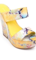 nine-west-yellow