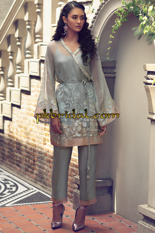 zaha-formals-pret-collection-2019-3