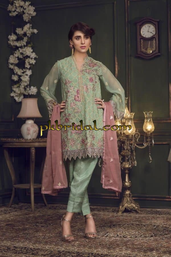 zebaish-gul-e-noor-embroidered-chiffon-2019-8