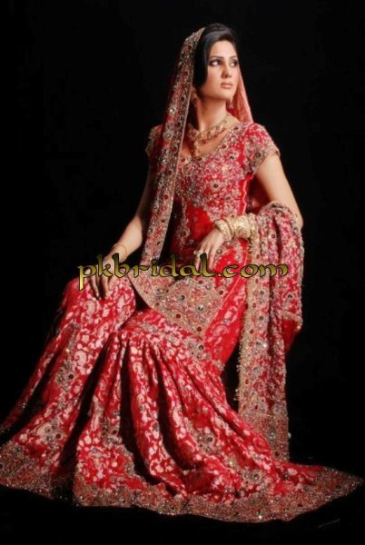 Traditional pakistani wedding dress deep red gharara for Pakistani wedding traditions
