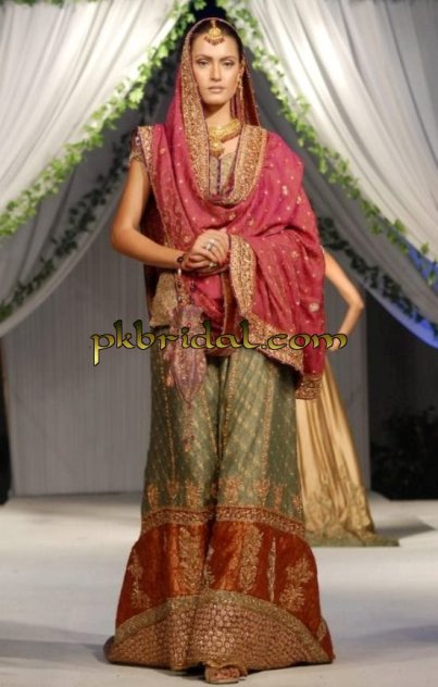 Traditional Mehndi Wear