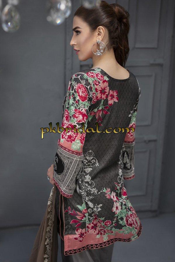 ayesha-chottani-embroidered-collection-2018-14