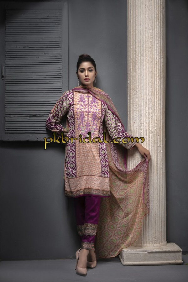 ayesha-chottani-embroidered-collection-2018-17