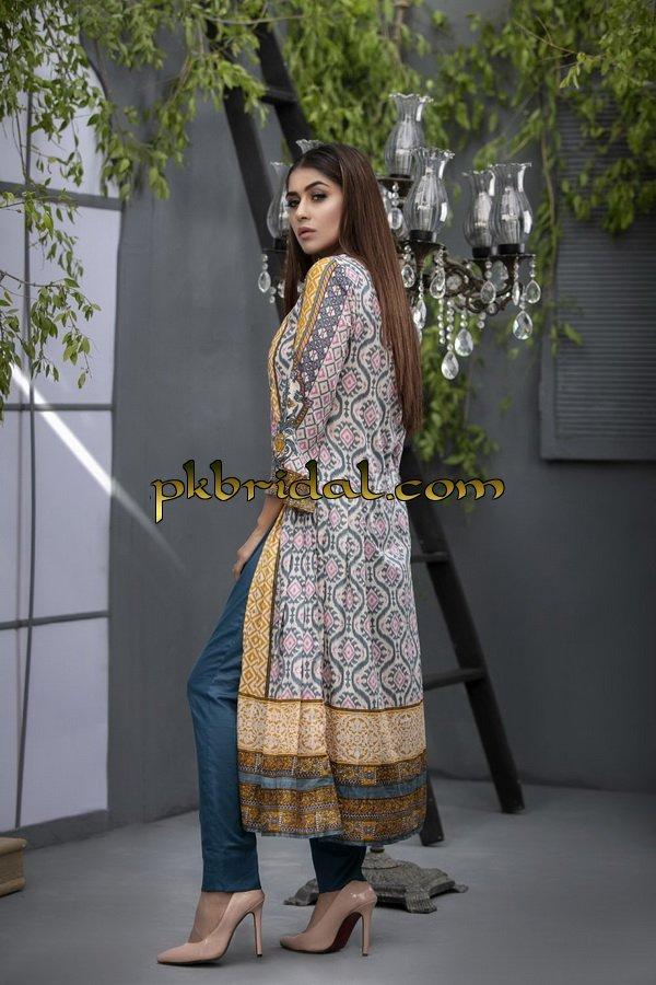 ayesha-chottani-embroidered-collection-2018-20