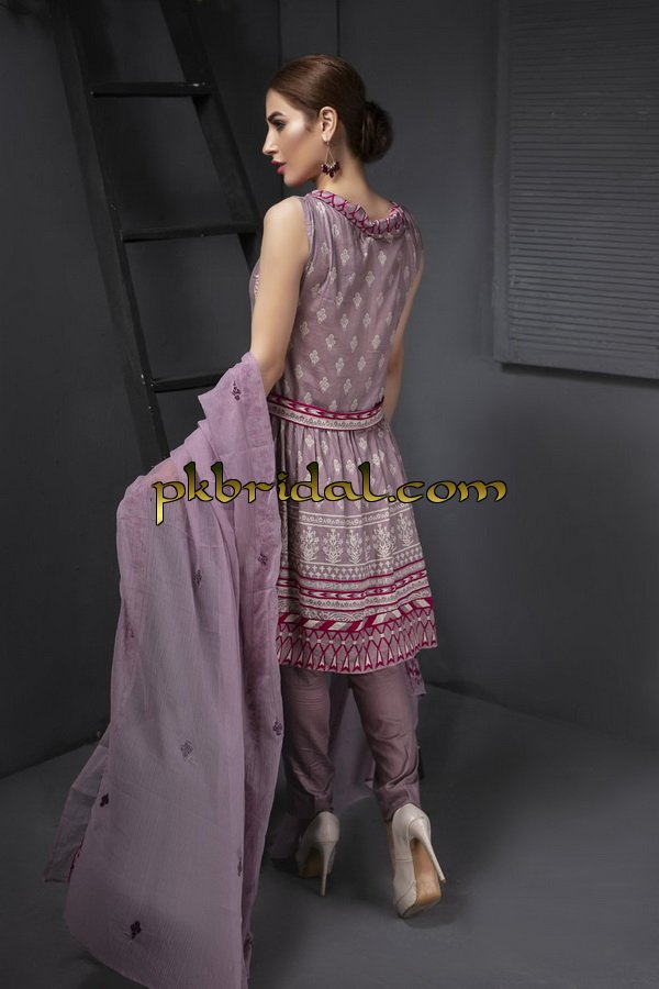 ayesha-chottani-embroidered-collection-2018-26