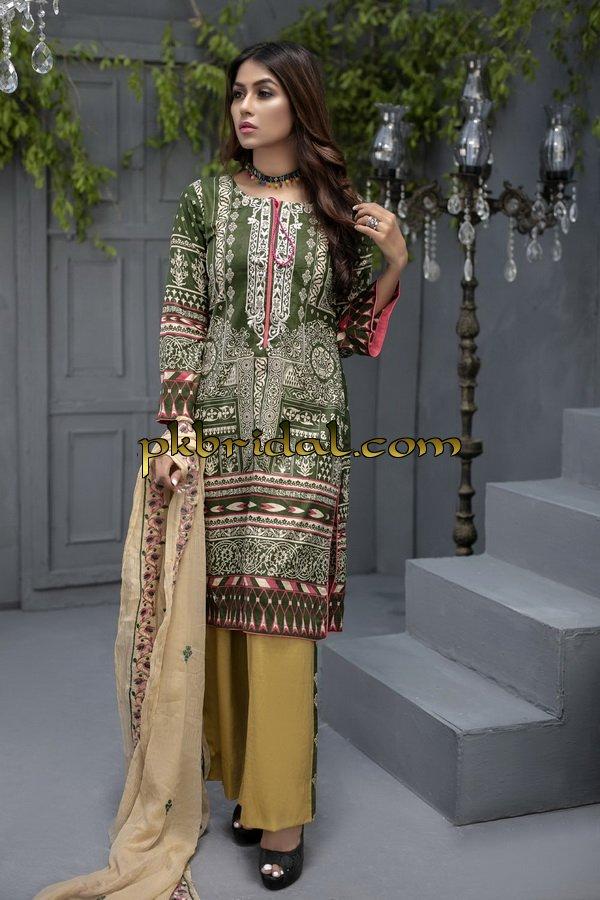 ayesha-chottani-embroidered-collection-2018-27