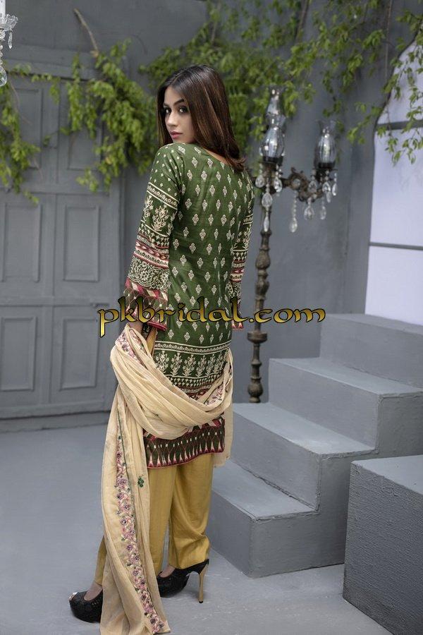 ayesha-chottani-embroidered-collection-2018-28