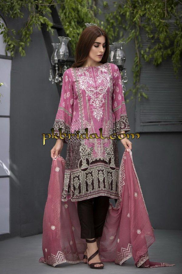 ayesha-chottani-embroidered-collection-2018-3