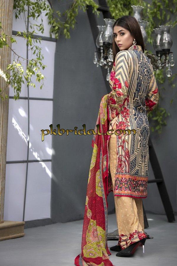ayesha-chottani-embroidered-collection-2018-32