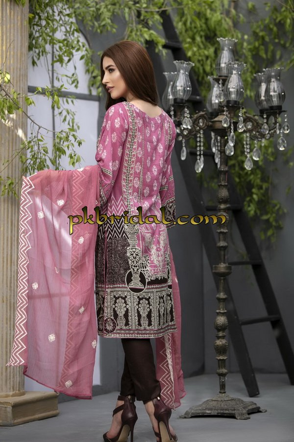 ayesha-chottani-embroidered-collection-2018-4