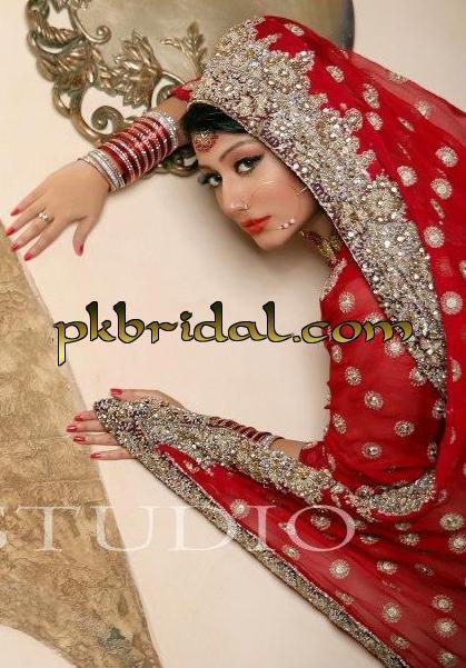 designer-wedding-dresses-17