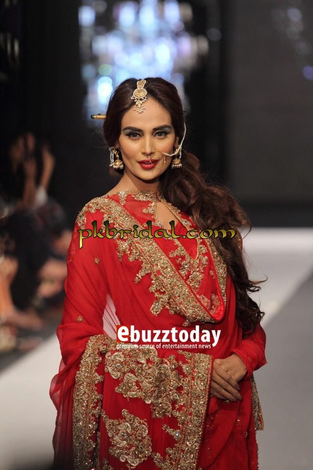 pakistani-wedding-dresses-21