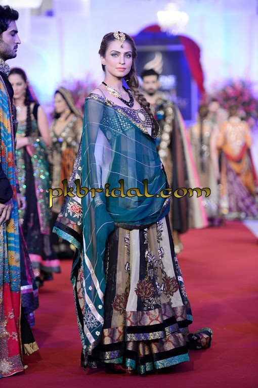 pakistani-wedding-dresses-46