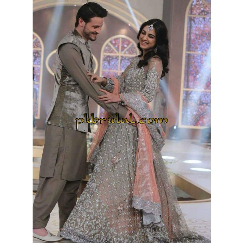 stunning-heavy-bridal-wears-hand-embroidered-5