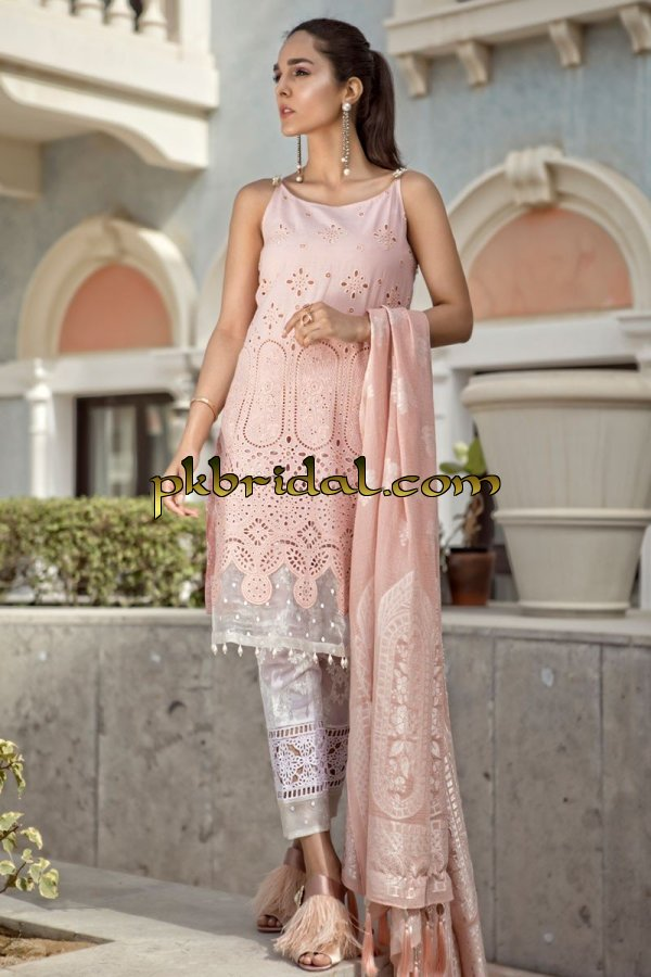 maria-b-luxury-lawn-collection-2018-17