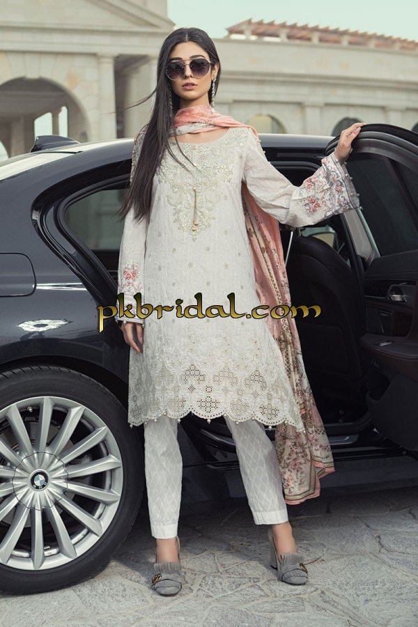 maria-b-luxury-lawn-collection-2018-29