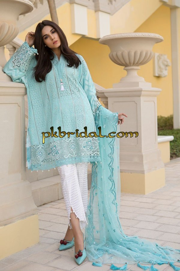 maria-b-luxury-lawn-collection-2018-31