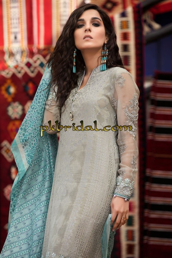 maria-b-luxury-lawn-collection-2018-44