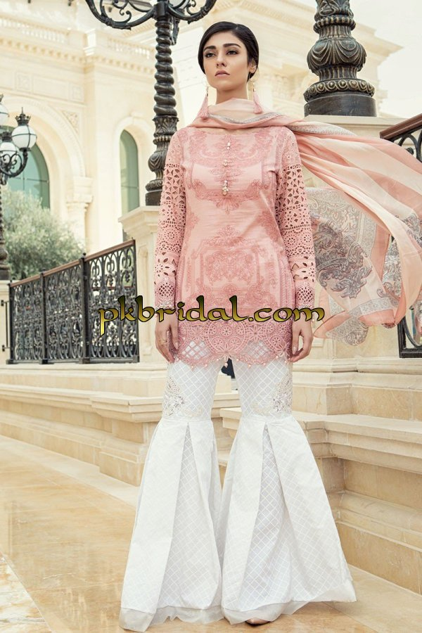 maria-b-luxury-lawn-collection-2018-5