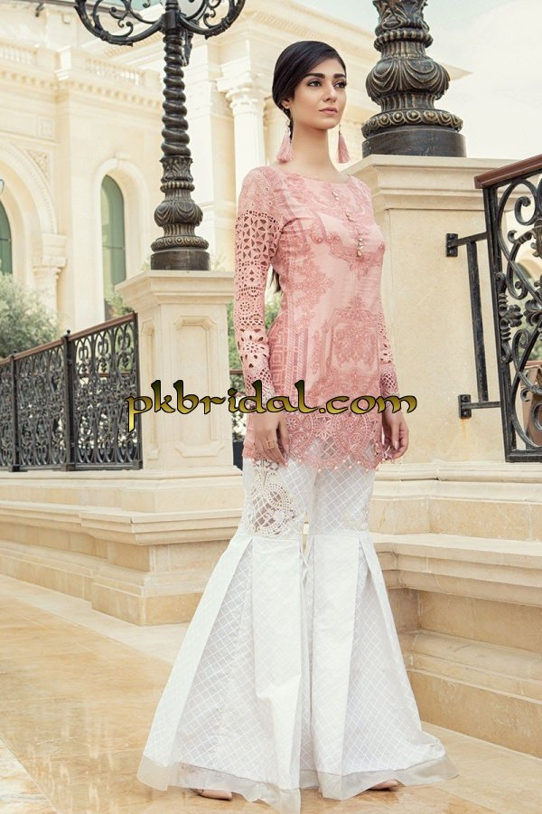 maria-b-luxury-lawn-collection-2018-6