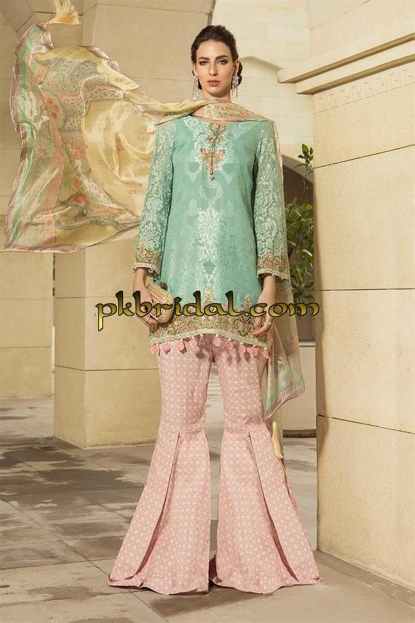 maria-b-luxury-lawn-collection-2019-3
