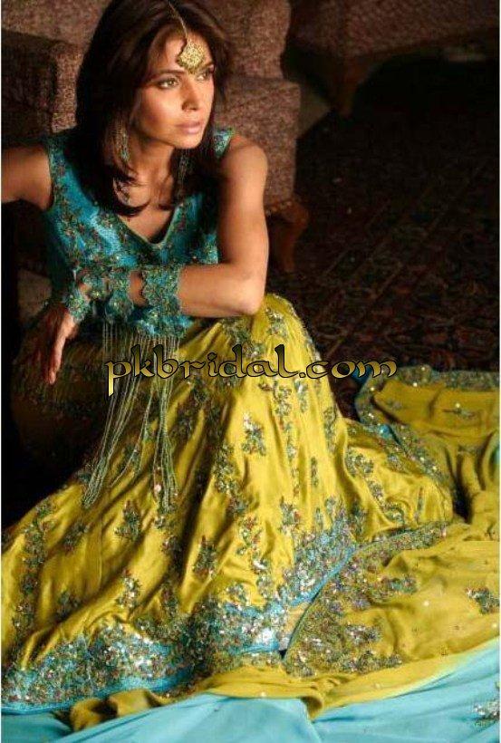 pakistani-mehndi-dresses-28