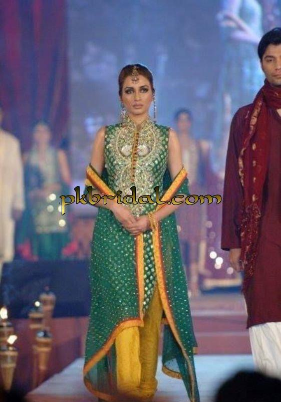 pakistani-mehndi-dresses-9
