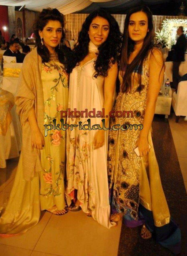 mehndi-dresses-6