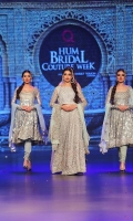 pakistani-bridal-dresses-collection-2018-19